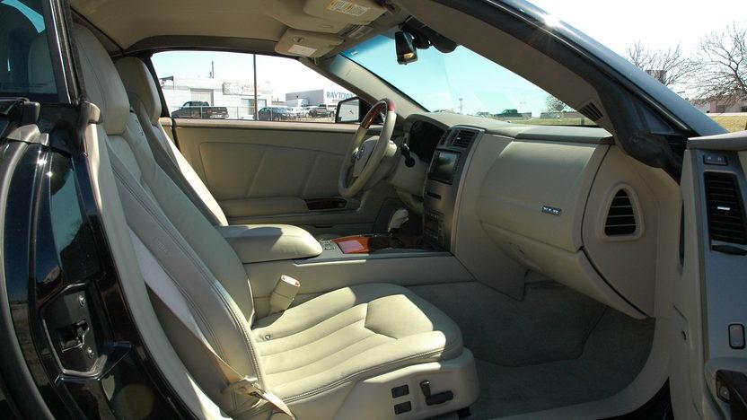 2005 Cadillac XLR Convertible presented as lot F114 at Kansas City, MO 2010 - image3