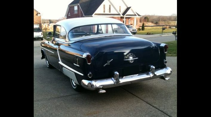 1953 Oldsmobile 88 2-Door Hardtop 350/375 HP, Automatic presented as lot S2 at Kansas City, MO 2010 - image2