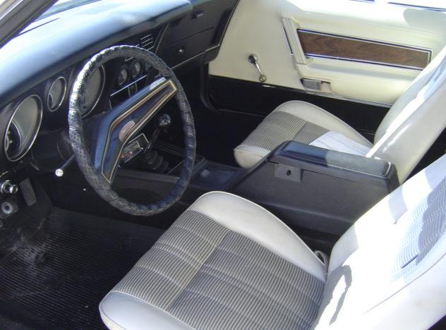 1972 Ford Mustang Convertible 351 CI, 4-Speed presented as lot F151 at Kansas City, MO 2010 - image3