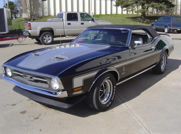 1972 Ford Mustang Convertible 351 CI, 4-Speed presented as lot F151 at Kansas City, MO 2010 - image5