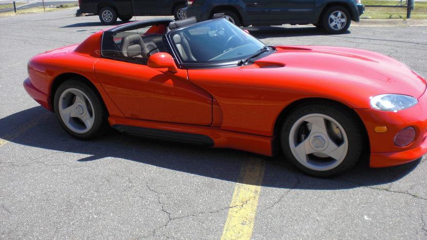 1992 Dodge Viper RT Convertible 400 HP, 6-Speed  presented as lot S194 at Kansas City, MO 2010 - image2