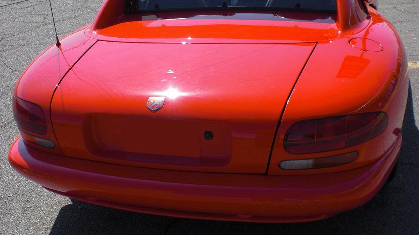 1992 Dodge Viper RT Convertible 400 HP, 6-Speed  presented as lot S194 at Kansas City, MO 2010 - image3