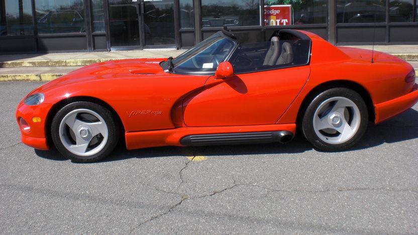 1992 Dodge Viper RT Convertible 400 HP, 6-Speed  presented as lot S194 at Kansas City, MO 2010 - image4