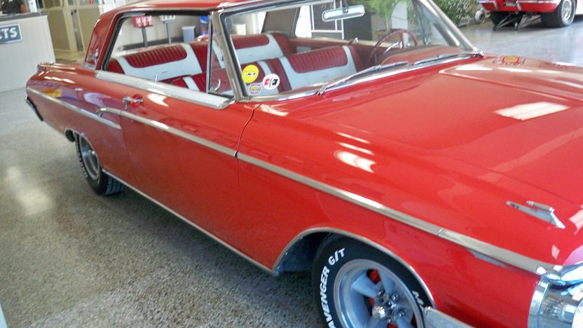 1962 Mercury Monterey 2-Door Hardtop 406/405 HP, 4-Speed presented as lot F261 at Kansas City, MO 2011 - image4