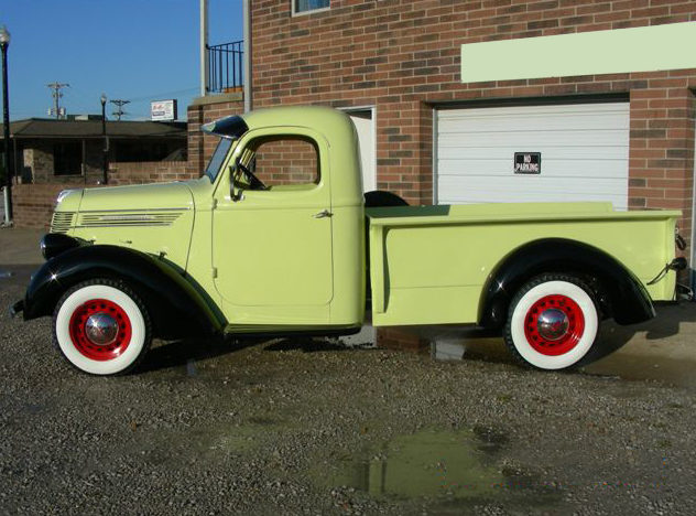1937 International D2 1/2 Ton Pickup presented as lot F151 at Kansas City, MO 2012 - image2