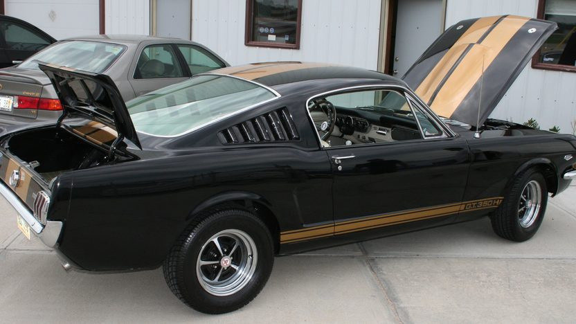 1965 Ford Mustang 2+2 GT350-H Replica 302/350 HP, 4-Speed presented as lot S31 at Kansas City, MO 2012 - image8
