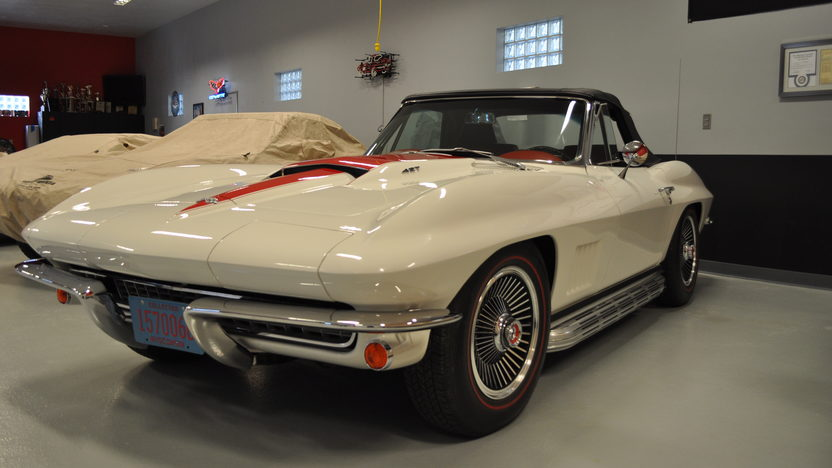 1967 Chevrolet Corvette Convertible 427/435 HP, 4-Speed presented as lot S98 at Kansas City, MO 2012 - image8