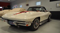 1967 Chevrolet Corvette Convertible 427/435 HP, 4-Speed presented as lot S98 at Kansas City, MO 2012 - thumbail image8