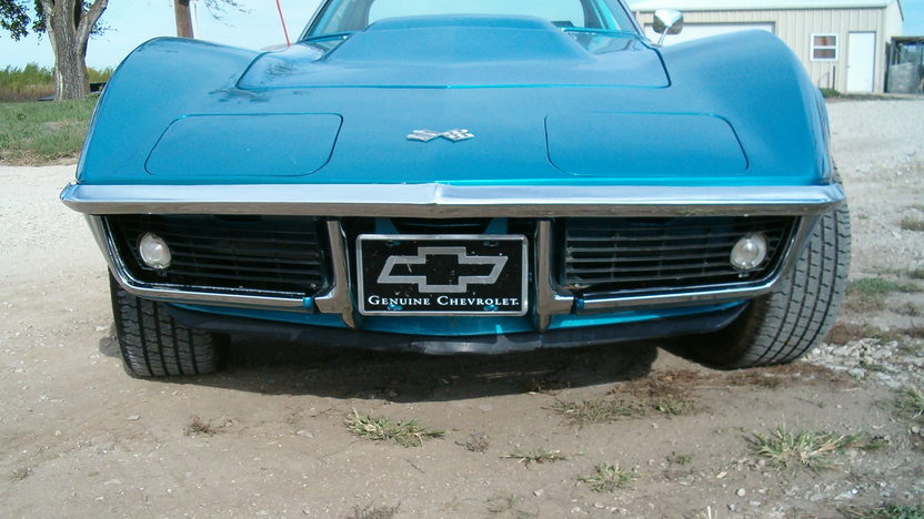 1969 Chevrolet Corvette 427/430 HP, 4-Speed presented as lot S197 at Kansas City, MO 2012 - image8