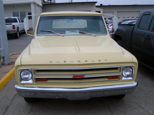 1967 Chevrolet C10 Pickup 283 CI, 4-Speed presented as lot T34 at Kansas City, MO 2013 - image7