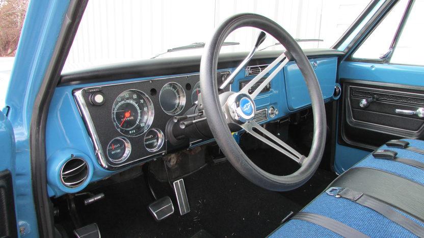 1972 Chevrolet C10 Pickup 350 CI, Automatic presented as lot F74 at Kansas City, MO 2013 - image4