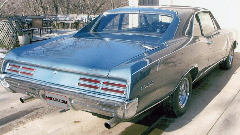 1967 Pontiac Lemans 455 CI, Automatic presented as lot F90 at Kansas City, MO 2013 - image2