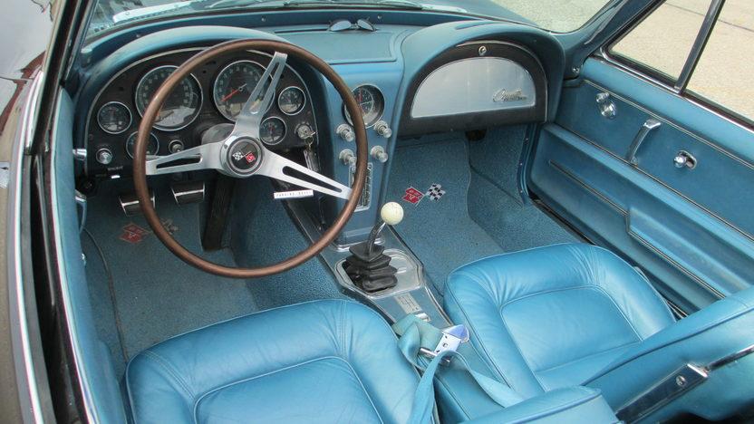 1965 Chevrolet Corvette Convertible 396/425 HP, 4-Speed presented as lot F187 at Kansas City, MO 2013 - image4