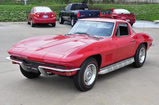 1967 Chevrolet Corvette Coupe 327/300 HP, 4-Speed presented as lot S93 at Kansas City, MO 2013 - image10