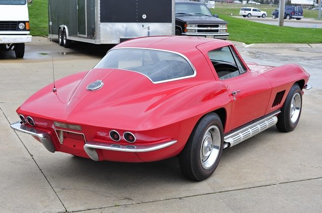 1967 Chevrolet Corvette Coupe 327/300 HP, 4-Speed presented as lot S93 at Kansas City, MO 2013 - image7