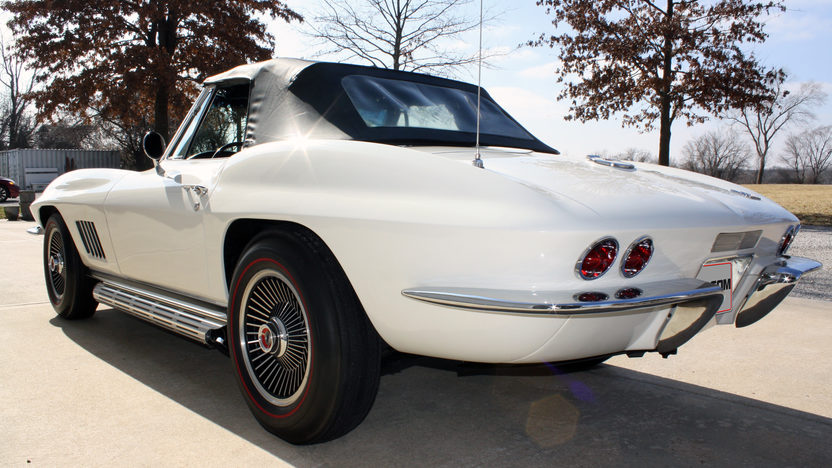 1967 Chevrolet Corvette Convertible 327/350 HP, 4-Speed presented as lot S105 at Kansas City, MO 2013 - image6