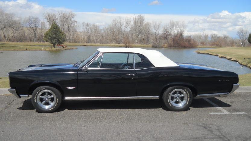 1966 Pontiac GTO Convertible 428/475 HP, 4-Speed presented as lot S194 at Kansas City, MO 2013 - image2