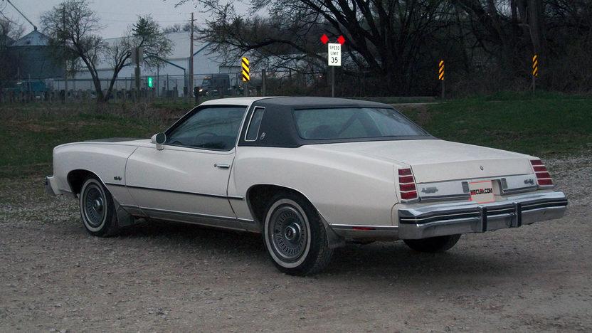 1975 Chevrolet Monte Carlo presented as lot T48 at Kansas City, MO 2014 - image3