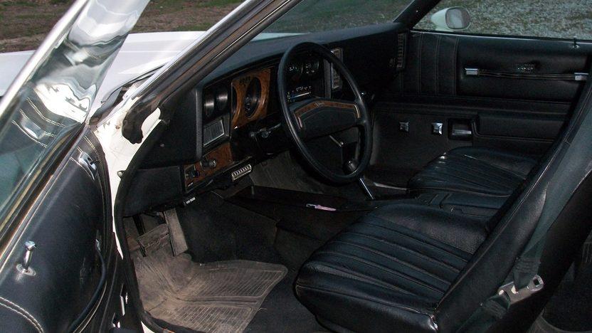 1975 Chevrolet Monte Carlo presented as lot T48 at Kansas City, MO 2014 - image4