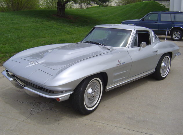 1964 Chevrolet Corvette Coupe 350/350 HP, 4-Speed presented as lot F159 at Kansas City, MO 2009 - image2