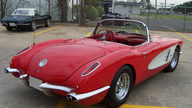 1959 Chevrolet Corvette Convertible 350/300 HP, 4-Speed presented as lot F213 at Kansas City, MO 2009 - thumbail image2