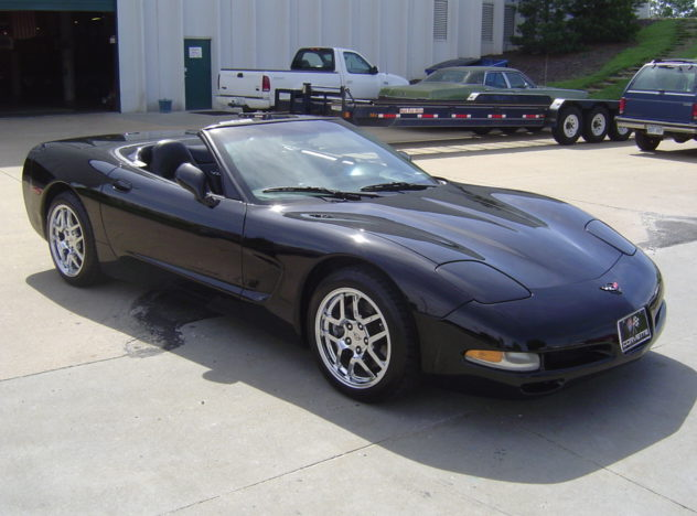 2000 Chevrolet Corvette Coupe 350 CI, Automatic presented as lot F224 at Kansas City, MO 2009 - image2