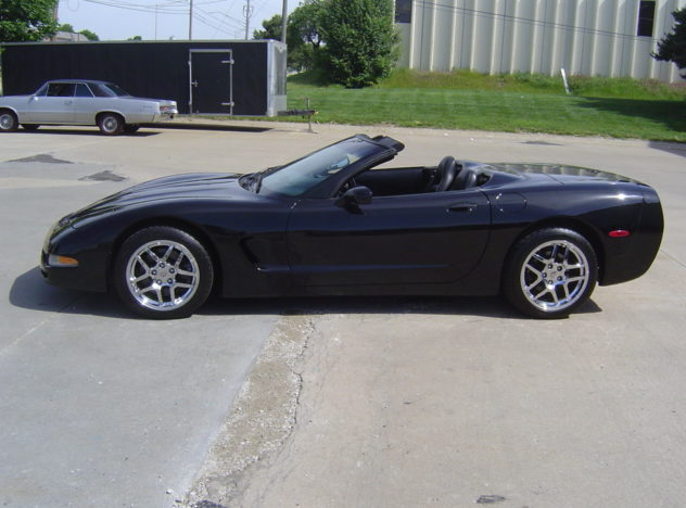 2000 Chevrolet Corvette Coupe 350 CI, Automatic presented as lot F224 at Kansas City, MO 2009 - image3