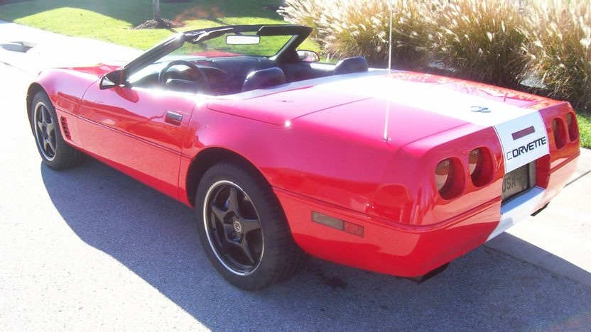 1996 Chevrolet Corvette Convertible 350/300 HP, Automatic presented as lot S22 at Kansas City, MO 2009 - image2