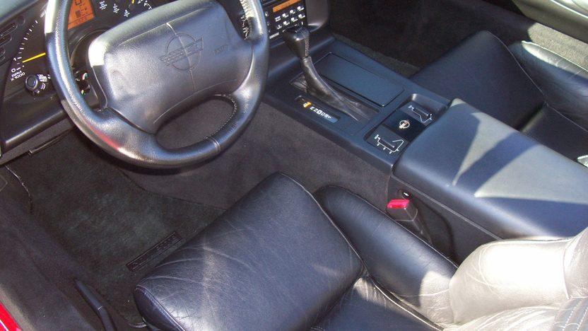 1996 Chevrolet Corvette Convertible 350/300 HP, Automatic presented as lot S22 at Kansas City, MO 2009 - image4