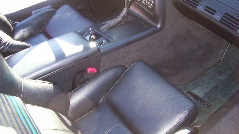 1996 Chevrolet Corvette Convertible 350/300 HP, Automatic presented as lot S22 at Kansas City, MO 2009 - image5