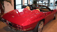2009 Chevrolet Corvette Convertible 436 HP, 6-Speed Automatic presented as lot S91.1 at Kansas City, MO 2009 - thumbail image2