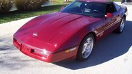 1990 Chevrolet Corvette Coupe 350/245 HP, Automatic presented as lot F133.2 at Kansas City, MO 2009 - thumbail image3
