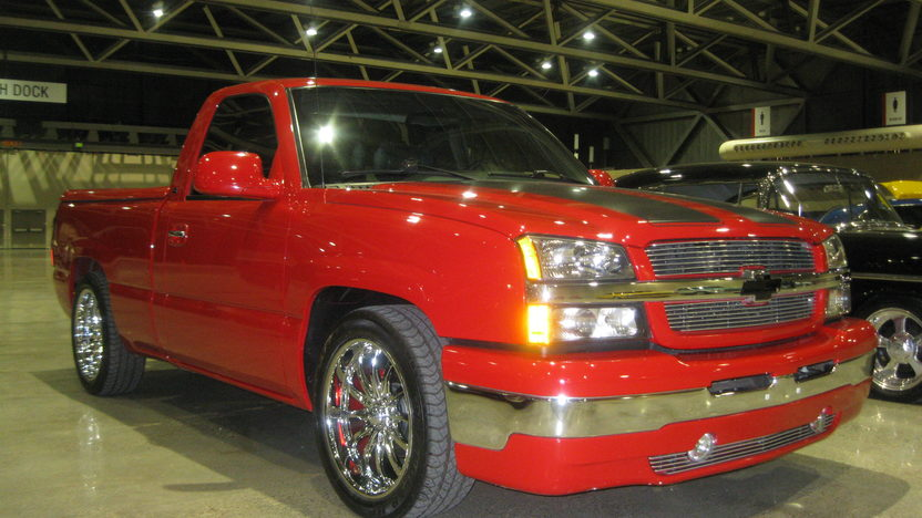 2004 Chevrolet Silverado Short Box Pickup RST Regency Limited Edition presented as lot F231.1 at Kansas City, MO 2009 - image4