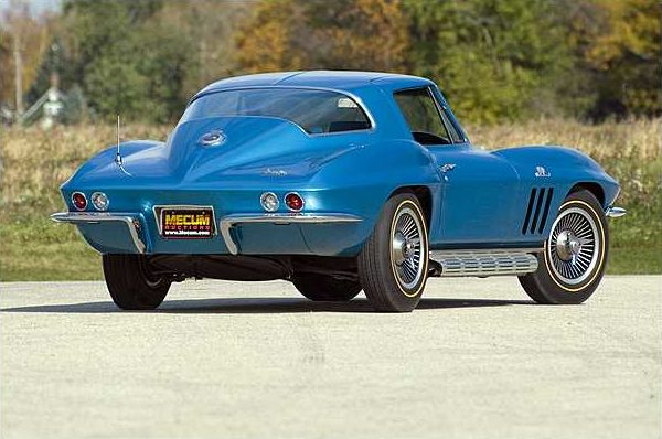 1966 Chevrolet Corvette Big Tank Coupe 427/390 HP, 4-Speed presented as lot F221 at Kansas City, MO 2010 - image2