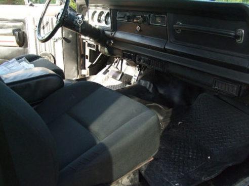 1980 Jeep Cherokee 360/250 HP presented as lot T13 at Kansas City, MO 2011 - image3