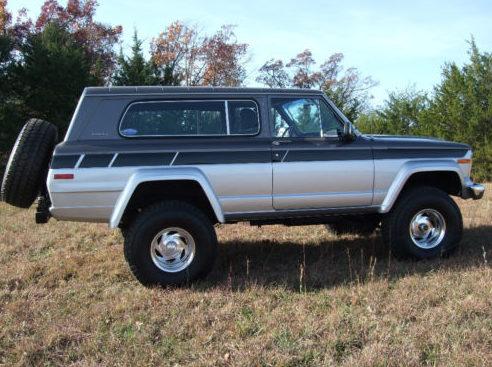 1980 Jeep Cherokee 360/250 HP presented as lot T13 at Kansas City, MO 2011 - image6