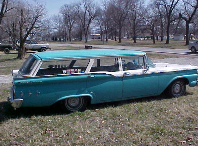 1959 Ford Ranch Station Wagon 292 CI, 3-Speed presented as lot T34 at Kansas City, MO 2011 - image2