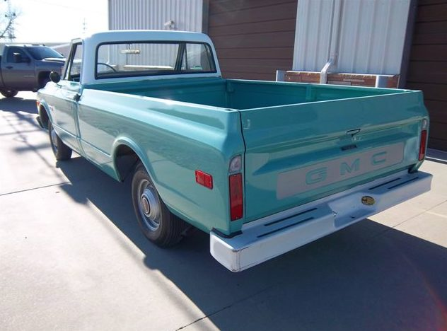 1969 GMC  Pickup 292 CI, 3-Speed presented as lot T45 at Kansas City, MO 2011 - image2