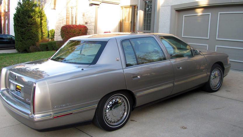 1999 Cadillac Deville D'elegance 4-Door presented as lot T65 at Kansas City, MO 2011 - image2