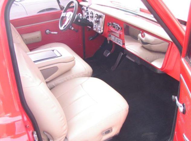 1969 GMC Short Bed Resto Mod 350 CI, Automatic presented as lot T69 at Kansas City, MO 2011 - image3