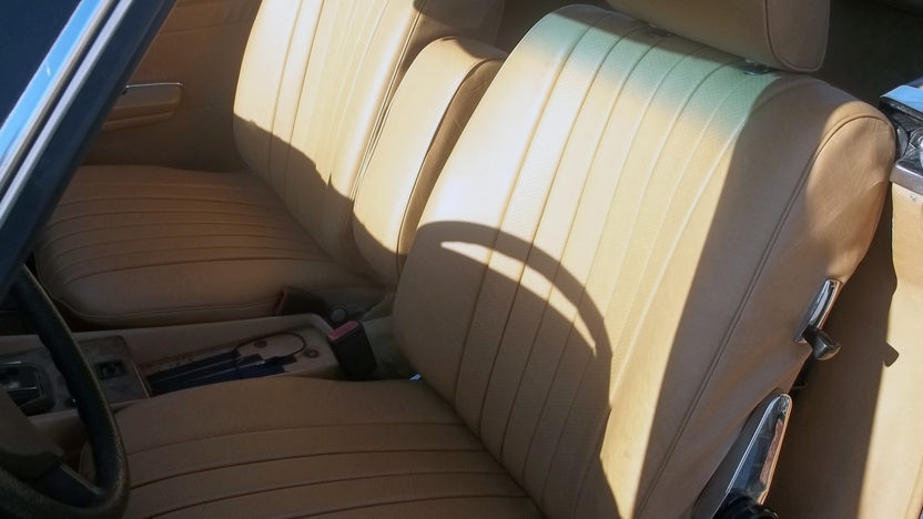 1984 Mercedes-Benz 380 SL Convertible 3.8L, Automatic presented as lot T70 at Kansas City, MO 2011 - image2