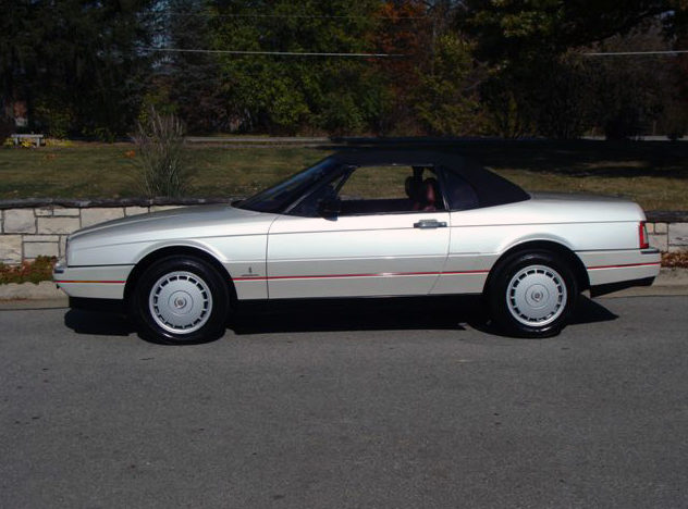1990 Cadillac Allante Convertible Automatic presented as lot T77 at Kansas City, MO 2011 - image2