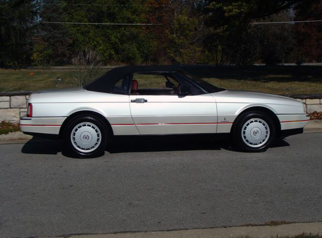 1990 Cadillac Allante Convertible Automatic presented as lot T77 at Kansas City, MO 2011 - image7