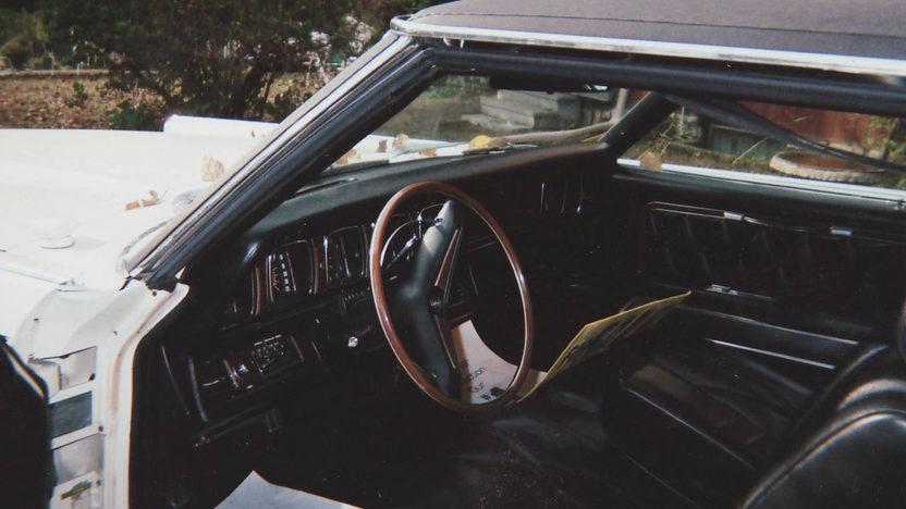 1969 Lincoln Mark III presented as lot T85 at Kansas City, MO 2011 - image2