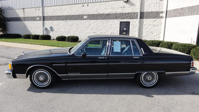 1986 Pontiac Parisienne 5.0L, Automatic presented as lot T86 at Kansas City, MO 2011 - image2