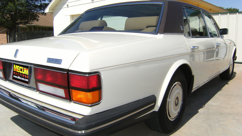1988 Rolls-Royce Silver Spur Sedan presented as lot T100 at Kansas City, MO 2011 - image3