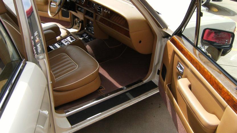 1988 Rolls-Royce Silver Spur Sedan presented as lot T100 at Kansas City, MO 2011 - image4