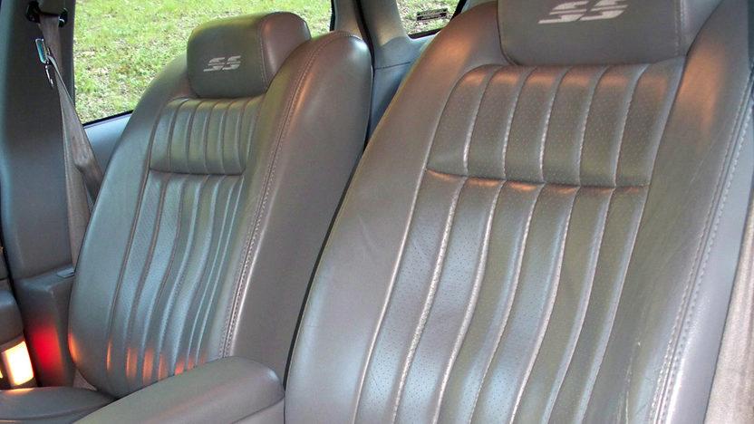 1994 Chevrolet Impala SS presented as lot T105 at Kansas City, MO 2011 - image3