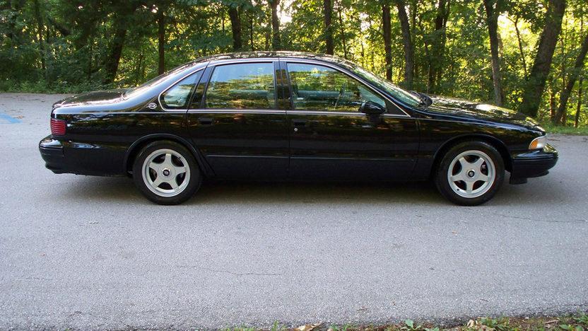 1994 Chevrolet Impala SS presented as lot T105 at Kansas City, MO 2011 - image7