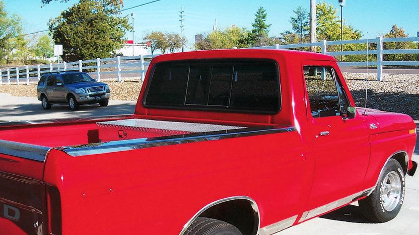 1979 Ford F150 Ranger Pickup 460 CI, 5-Speed presented as lot T110 at Kansas City, MO 2011 - image3